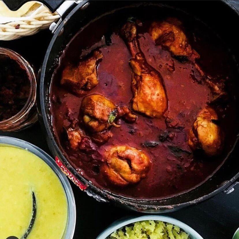 Kozhi Mulakittathu – A spicy Kerala chicken curry